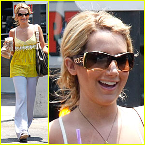 Ashley Tisdale: Hello Yellow!