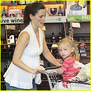 Jennifer Garner is a Groceries Girl