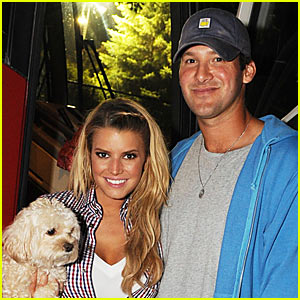 Jessica Simpson Has Country Thunder