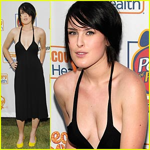 Rumer Willis Has Power of Paws