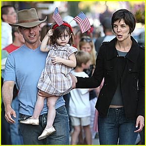 Suri Cruise: Happy Fourth of July!