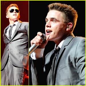 Jesse McCartney Makes Music
