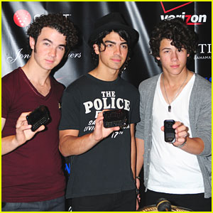 The Jonas Brothers Vote Verizon