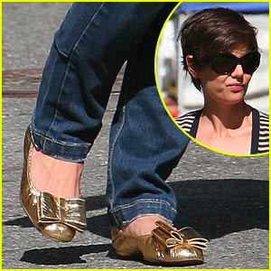 Katie Holmes Bows Out In Gold