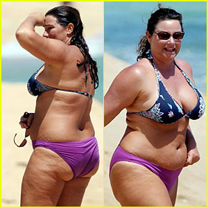 Keely Shaye Smith is Bikini Bold