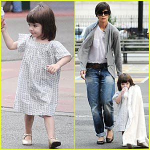 Suri Cruise is a Playground Princess