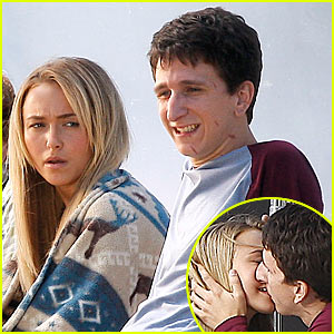 Hayden Panettiere & Paul Rust: Kissing Up!