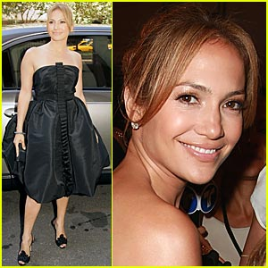 Jennifer Lopez is Oscar De La Renta Ready