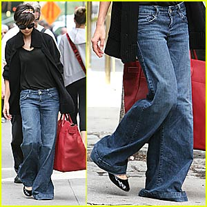 Katie Holmes: Wide-Leg Jeans Are In Again!