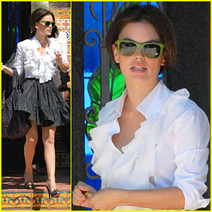 Rachel Bilson Is Waiting For LA