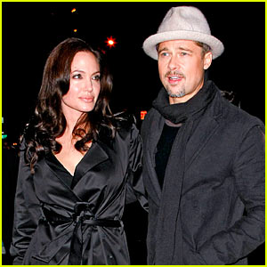 Brad & Angelina: Black Out!