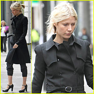 Gwyneth Paltrow Wears Easy and Chic