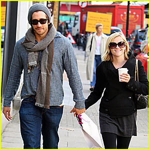 Reese & Jake are London Lovers