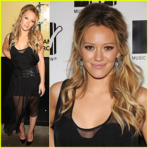 Hilary Duff Takes On Total Finale Live