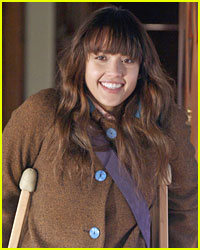 Jessica Alba Has Cool Crutches