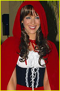 Kate Beckinsale is Little Red Riding Hood