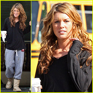 Shenae Grimes Takes To Her Trailer