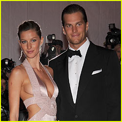Gisele Bundchen & Tom Brady: Engaged!