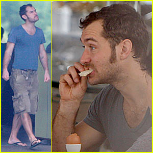 Jude Law: Birthday in Brazil!