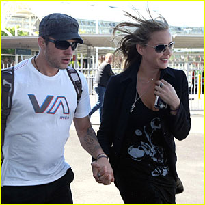 ryan phillippe and abbie cornish go down under abbie cornish ryan phillippe just jared. Black Bedroom Furniture Sets. Home Design Ideas