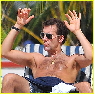 Clive Owen is Shirtless Sexy