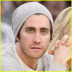 Jake Gyllenhaal Kicks The Shin Out of Paparazzi