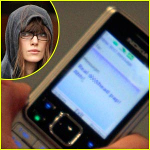 Keira Knightley Insults Paparazzi Via Text Message
