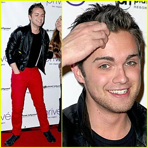 Thomas Dekker: Planet Hollywood Birthday Party!