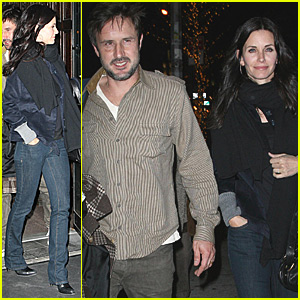 Courteney Cox Moves to Cougar Town
