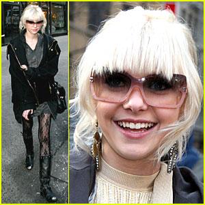 Taylor Momsen: Bang Bang!