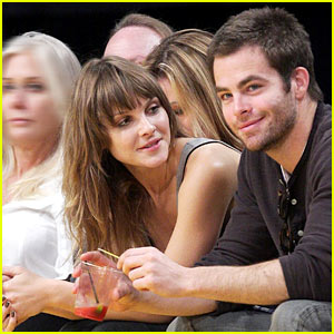 Chris Pine & Beau Garrett: Lakers Lovers