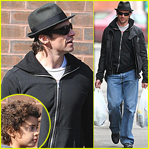 Hugh Jackman and Son: West Village Wanderings