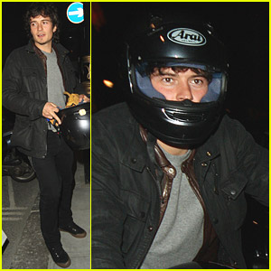 Orlando Bloom is a Motorcycle Mummy