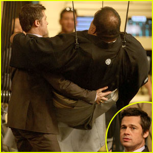 Brad Pitt: Sumo Wrestler Help!