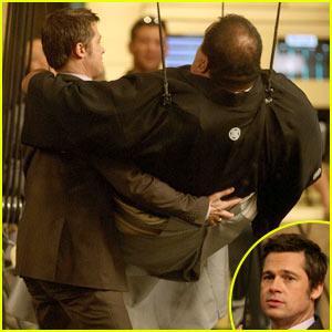 Brad Pitt: Sumo Wrestler Help!