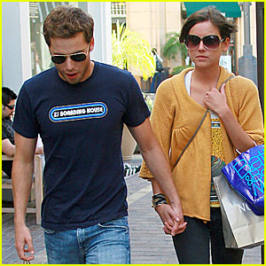 Dustin Milligan & Jessica Stroup: Grove Groovy