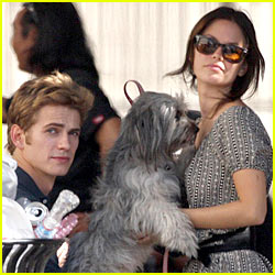 Rachel Bilson & Hayden Christensen: Tin Mill Merry