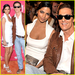 Matthew McConaughey - ACMs 2009 with Camila Alves