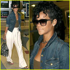 Rihanna: Jean Jacket Juicy