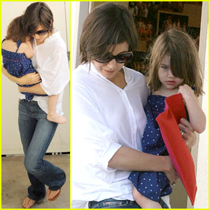 Suri Cruise is Dance Studio Serious