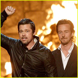 Brad Pitt Wins Guys Choice Award