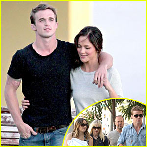 Cam Gigandet and Minka Kelly are Roommates