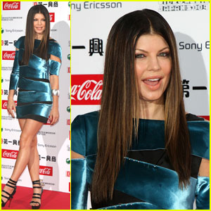 Fergie is an Electric Blue Babe