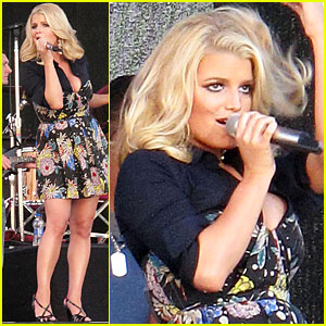 Jessica Simpson is a Dixon Darling