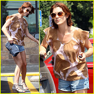 Kate Walsh is a Gelson's Girl