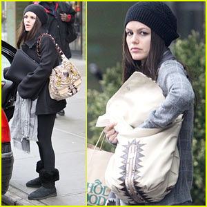 Rachel Bilson is Kiki Cute