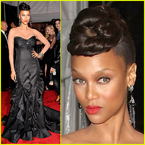 Tyra Banks - MET Costume Institute Gala 2009