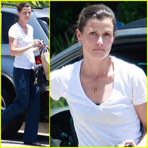 Bridget Moynahan Has Fun With Friends