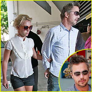 Britney Spears & Jason Trawick: Starbucks Stop!