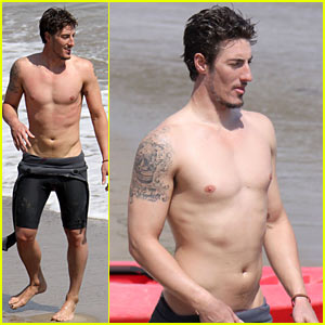 Eric Balfour is Beach Shirtless
